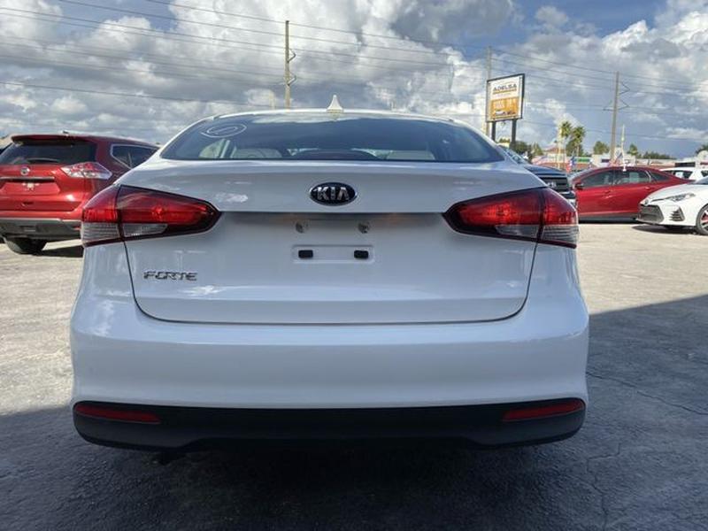 Kia Forte 2017 price $10,995