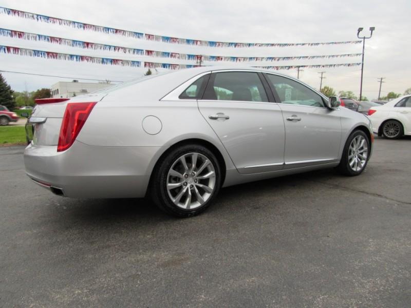 Cadillac XTS 2016 price $17,995