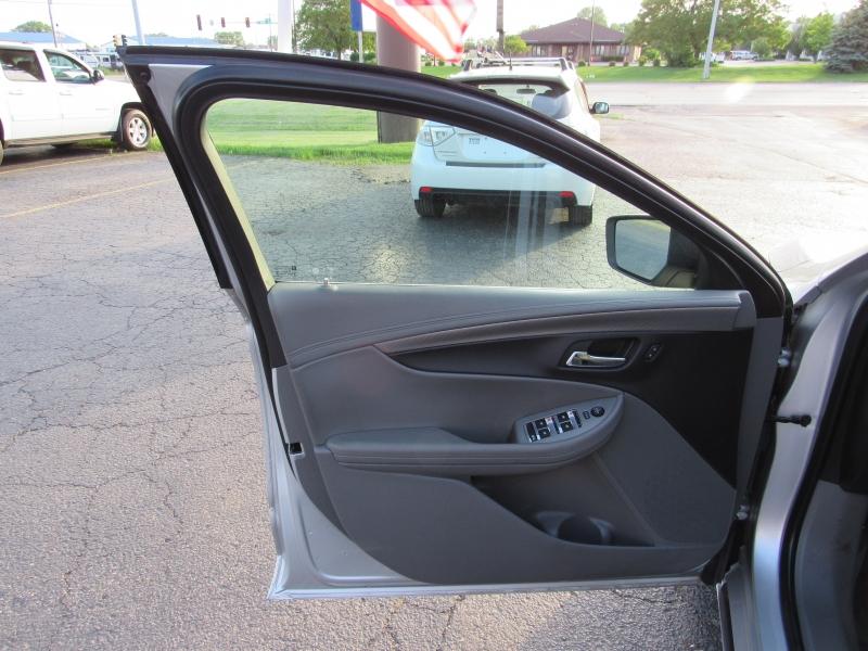Chevrolet Impala 2017 price $12,995