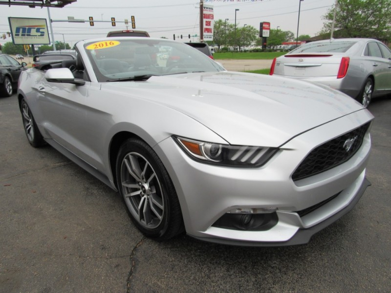Ford Mustang 2016 price $15,995