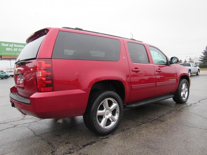 Chevrolet Suburban 2013 price $15,995