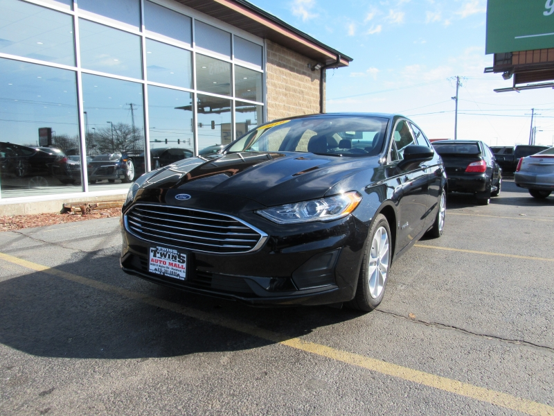 Ford Fusion Hybrid 2019 price $15,995