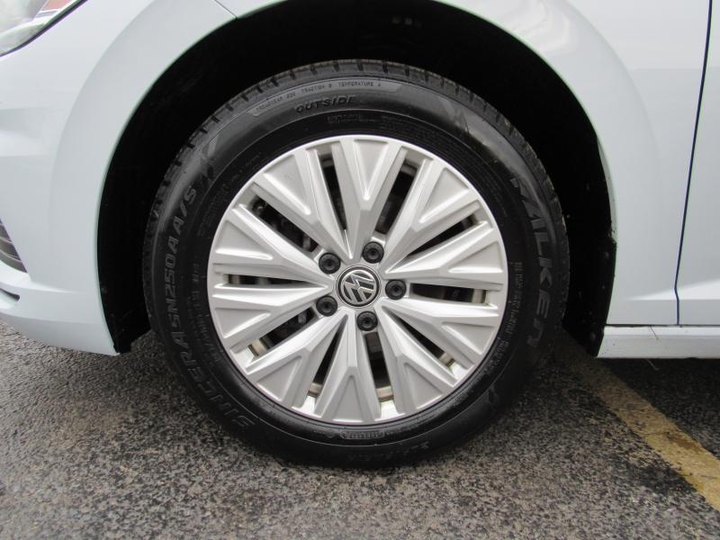 Volkswagen Jetta 2019 price $13,995