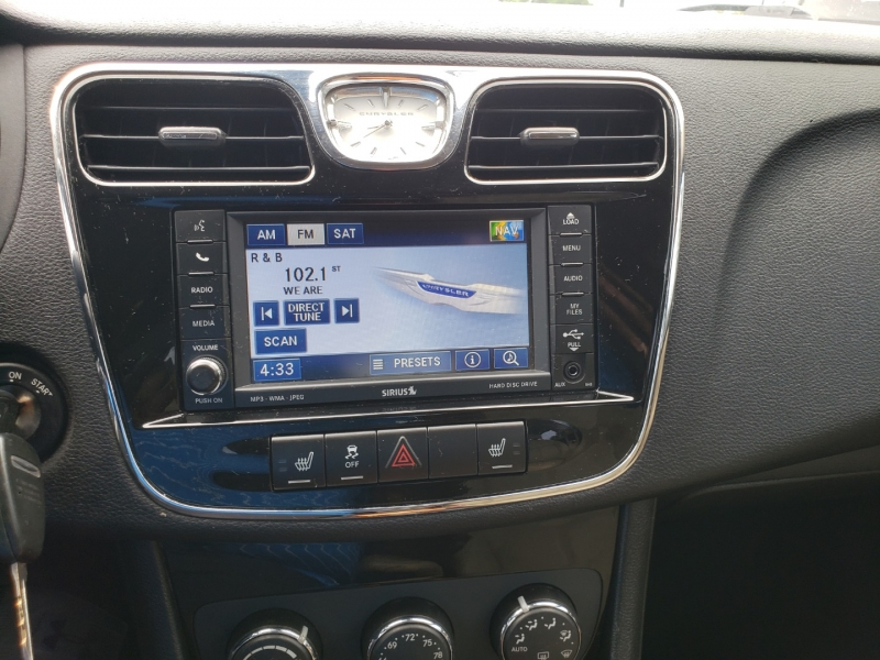 Chrysler 200 2011 price $5,995