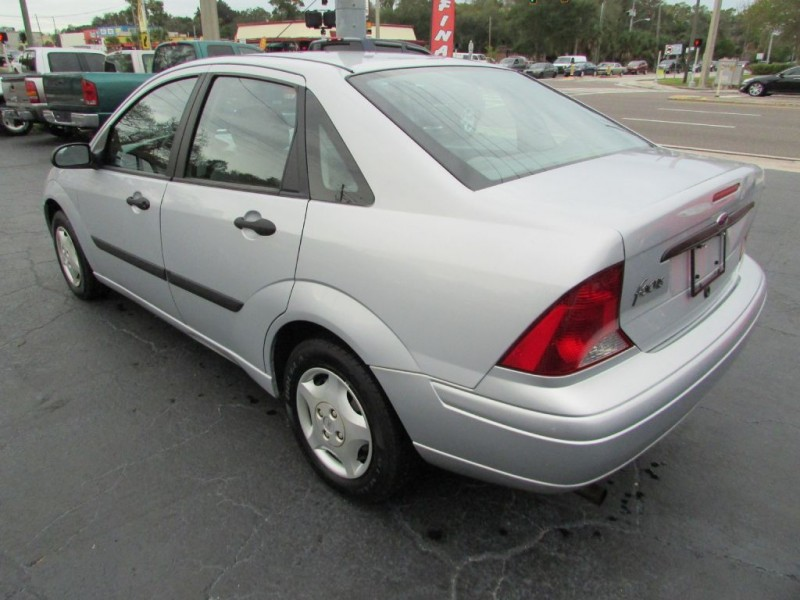 FORD FOCUS 2003 price $3,495