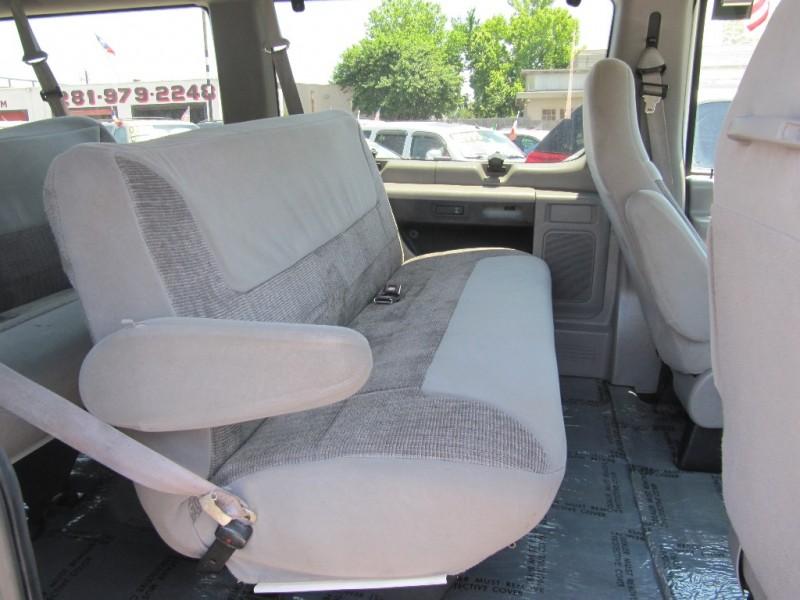 Ford Econoline Wagon 1999 price $4,995
