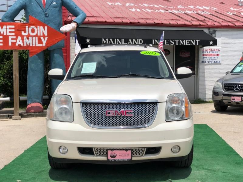 GMC Yukon 2011 price $13,500 Cash