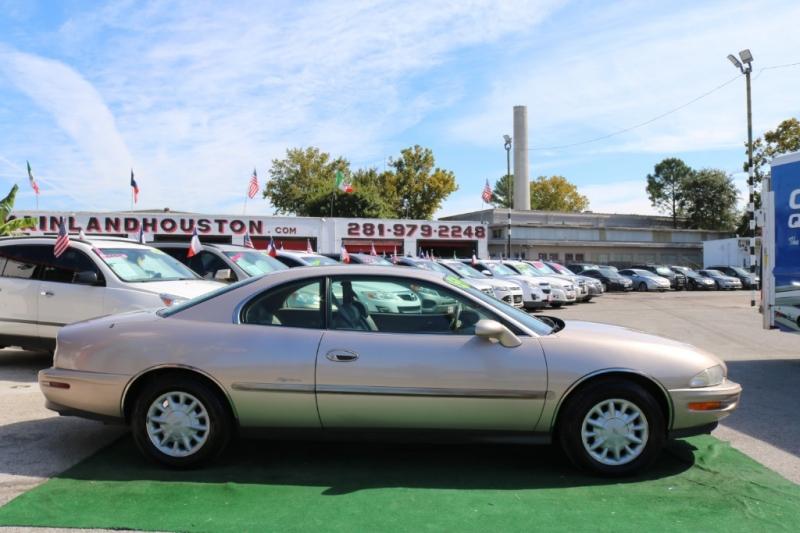 Buick Riviera 1995 price $5,995