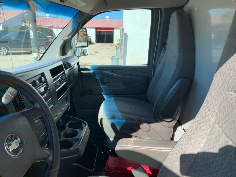 Chevrolet Express Commercial Cutaway 2011 price $10,995