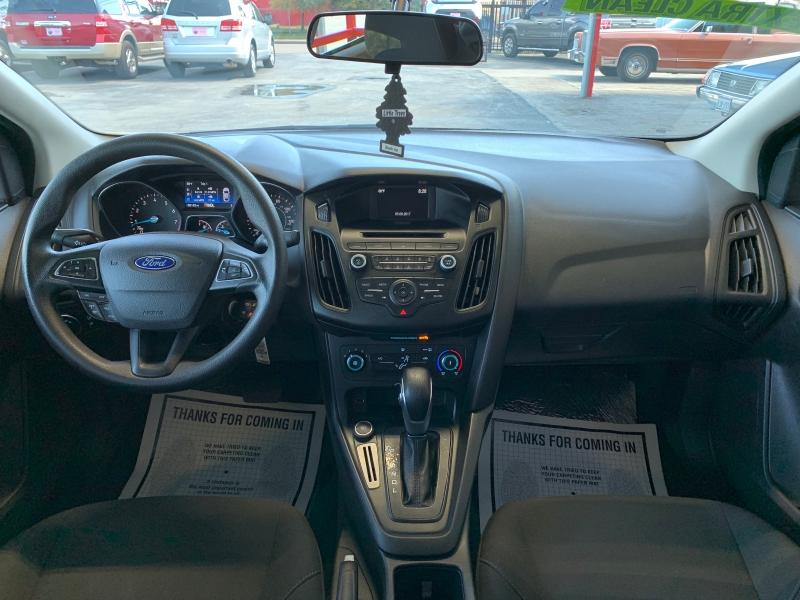 Ford Focus 2017 price $9,995