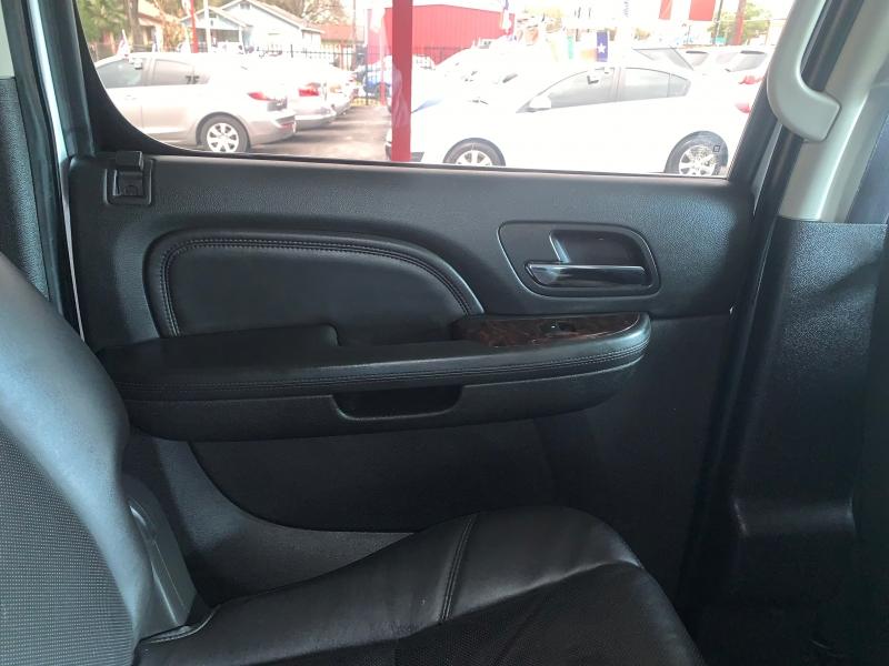 GMC Yukon XL 2014 price $13,500