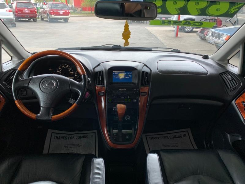 Lexus RX 300 2001 price $5,995