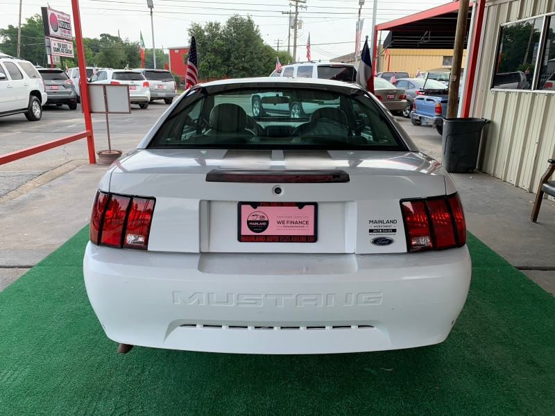 Ford Mustang 2004 price $2,995 Cash