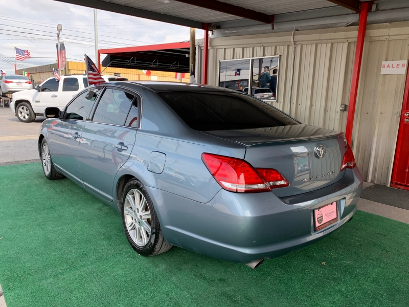 Toyota Avalon 2006 price $4,995