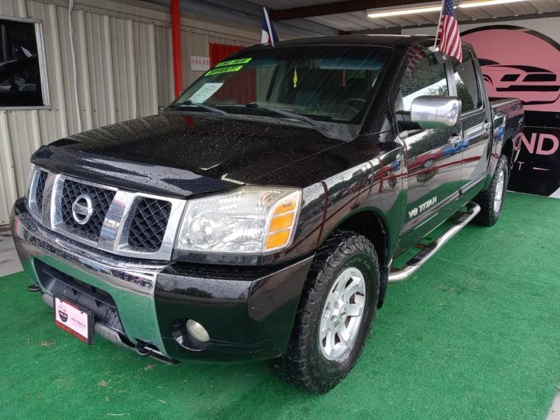Nissan Titan 2005 price $9,995 Cash