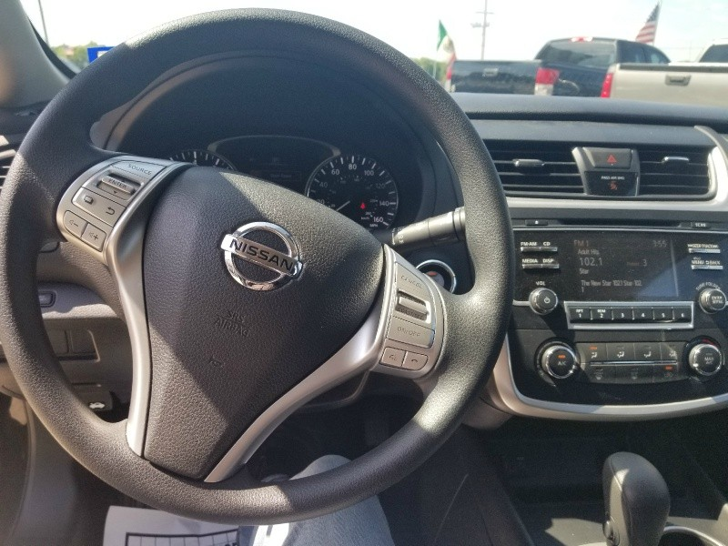 Nissan Altima 2017 price $14,947