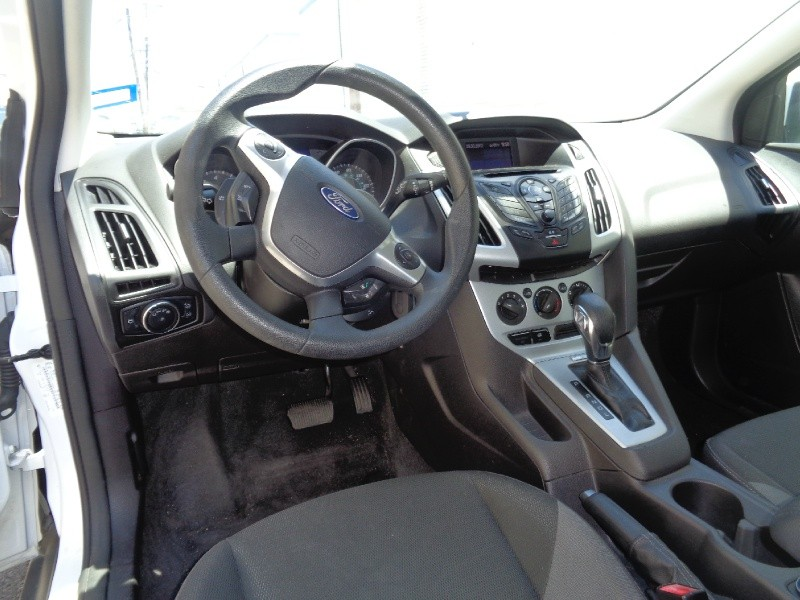 Ford Focus 2013 price $1,000