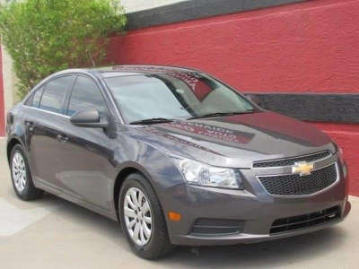 2011 Chevrolet Cruze LS 4dr Sedan
