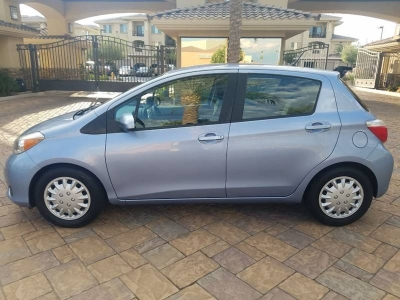 2013 Toyota Yaris 5 Door LE 4dr Hatchback