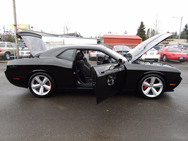 Dodge Challenger 2010 price $25,477