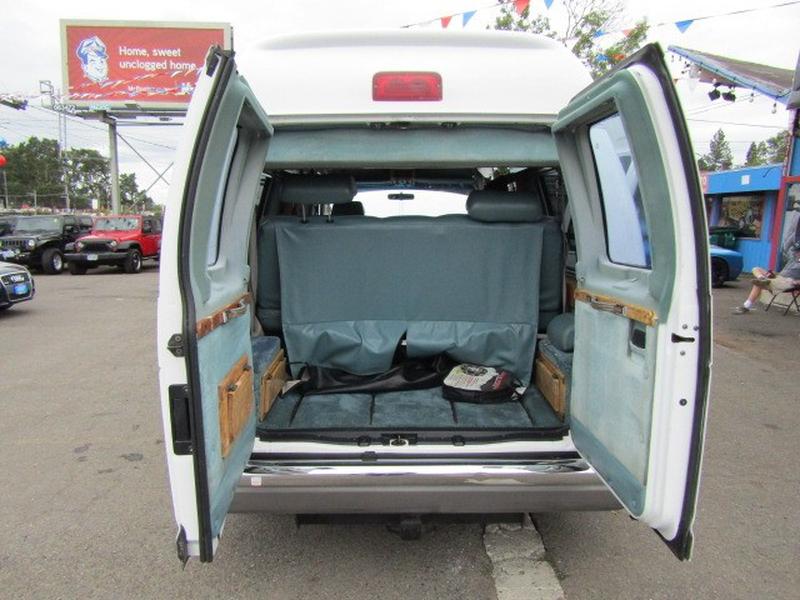 Ford Econoline Cargo Van 1992 price $3,977