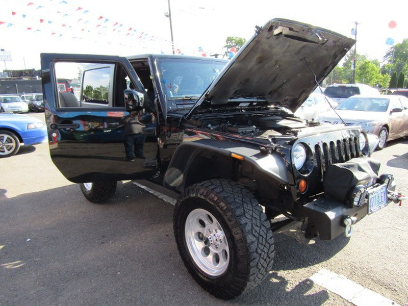 Jeep Wrangler 2013 price $18,977