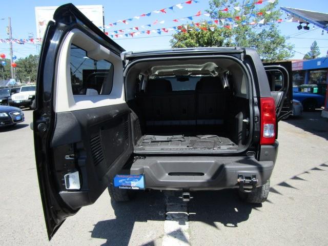 Hummer H3 2007 price $8,977