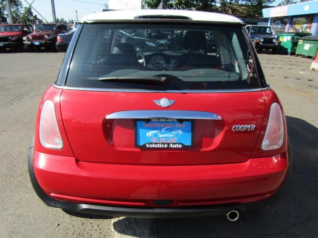 Mini Cooper Hardtop 2006 price $5,977