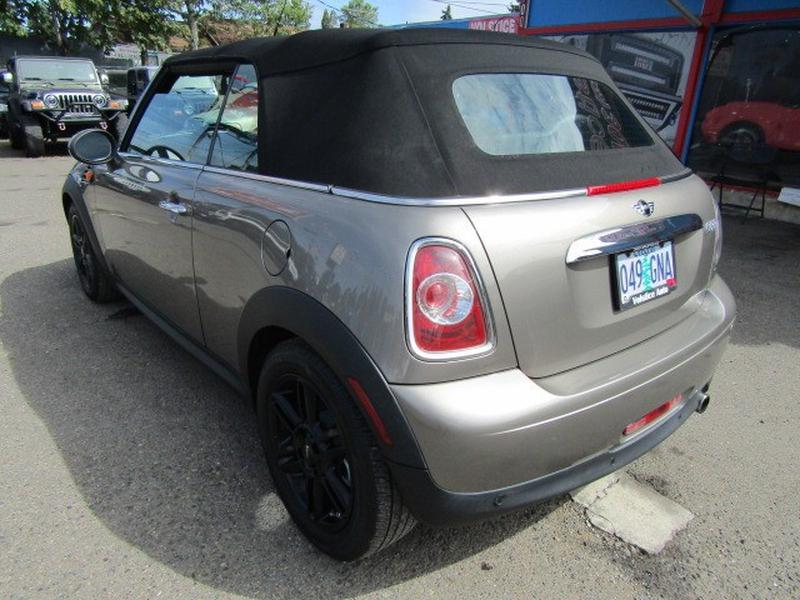 Mini Cooper Convertible 2013 price $9,977