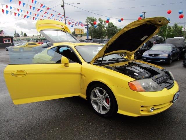 Hyundai Triburon 2004 price $6,477