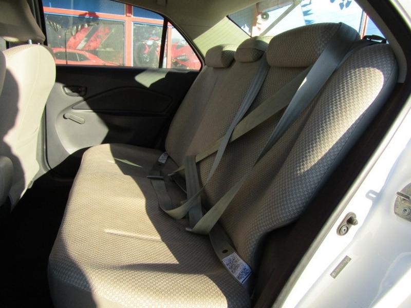 Toyota Yaris 2007 price $3,977