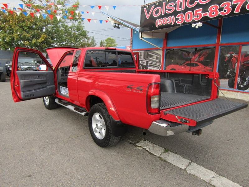 Nissan Frontier 4WD 2000 price $7,477