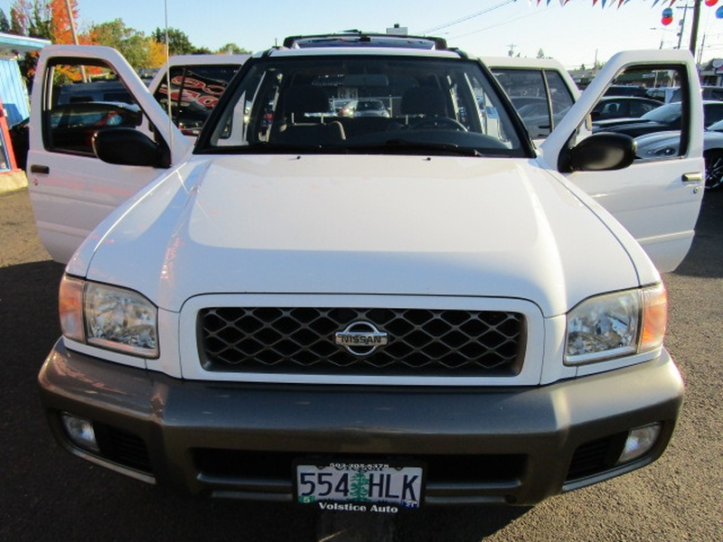 Nissan Pathfinder 2000 price $5,977