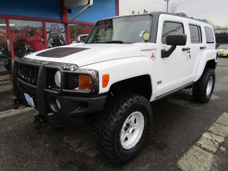 Hummer H3 2006 price $9,977