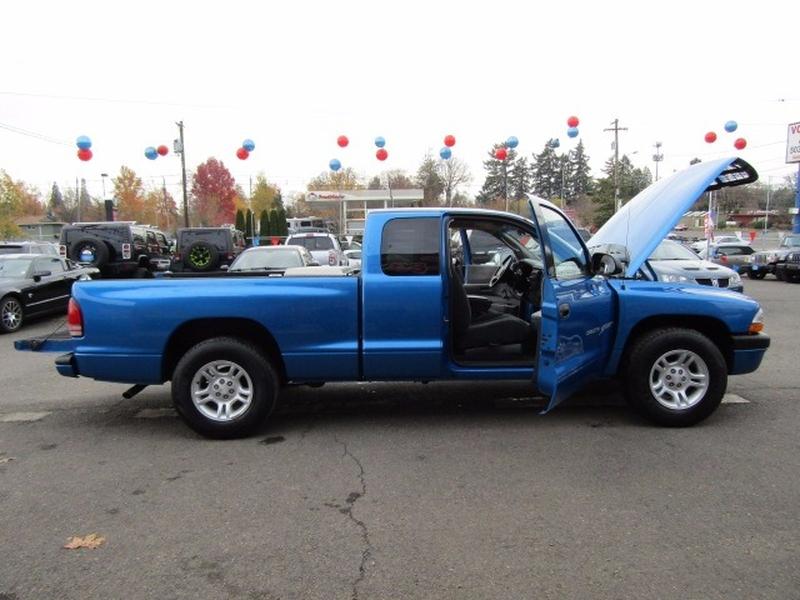 Dodge Dakota 2001 price $5,477