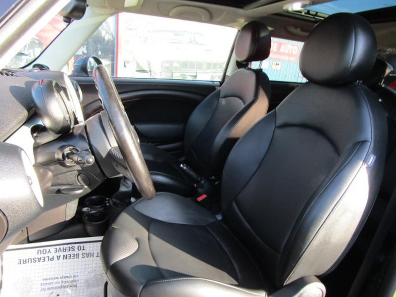 Mini Cooper Hardtop 2011 price $6,977