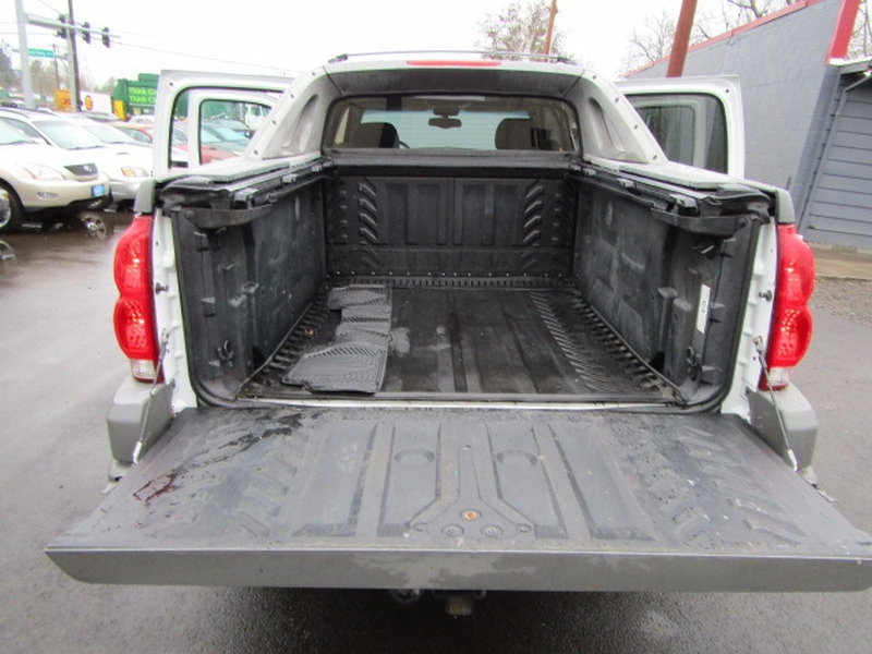 Chevrolet Avalanche 2002 price $5,477