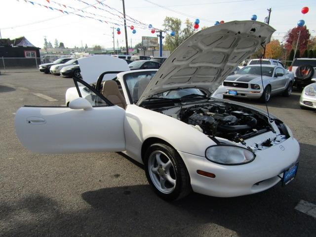 Mazda MX-5 Miata 1999 price $6,477