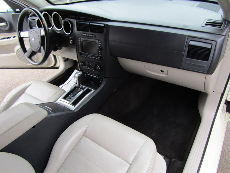 Dodge Magnum 2005 price $7,977