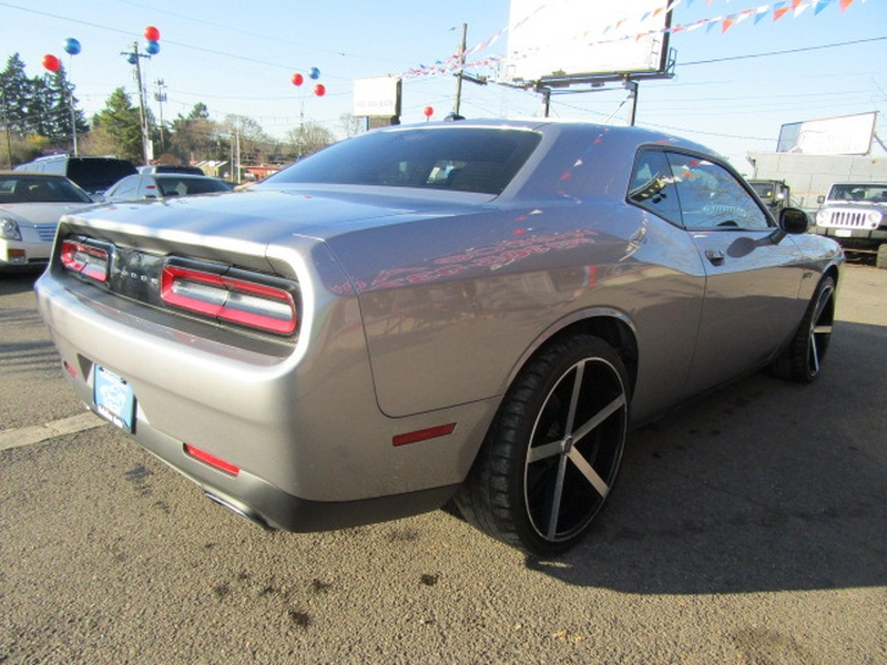 Dodge Challenger 2016 price $16,977