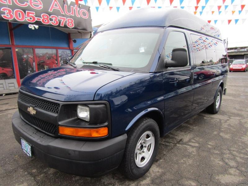 Chevrolet Express Passenger 2003 price $7,977