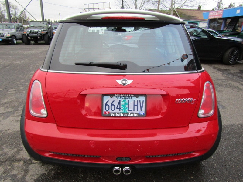 Mini Cooper Hardtop 2005 price $3,977