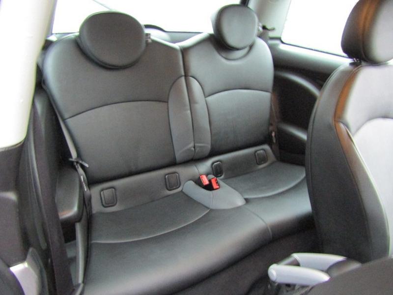 Mini Cooper Hardtop 2008 price $7,977
