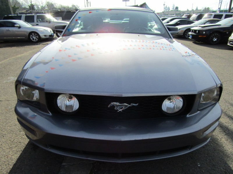 Ford Mustang 2006 price $7,977