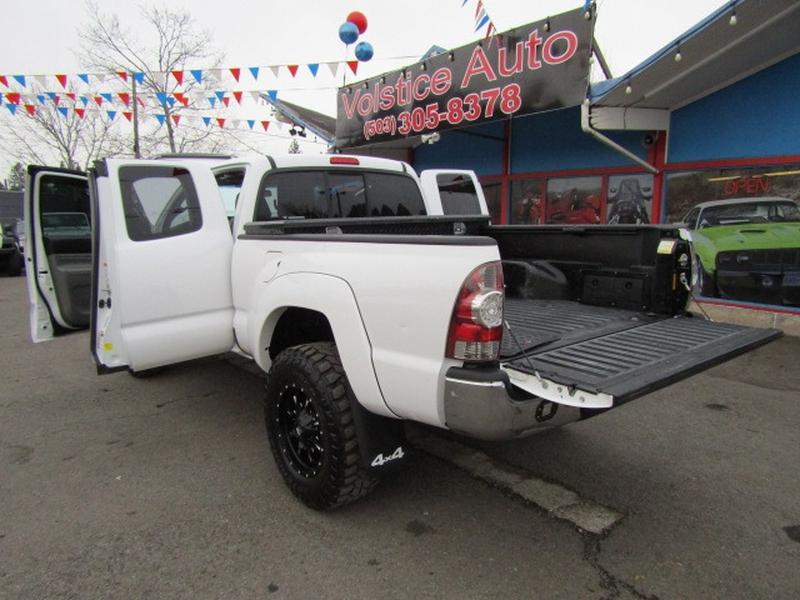 Toyota Tacoma 2015 price $17,977
