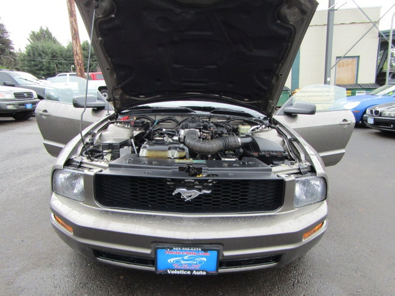 Ford Mustang 2005 price $4,977