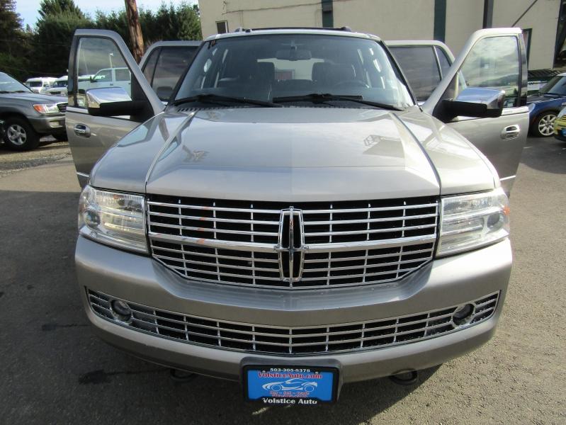 Lincoln Navigator 2008 price $8,977