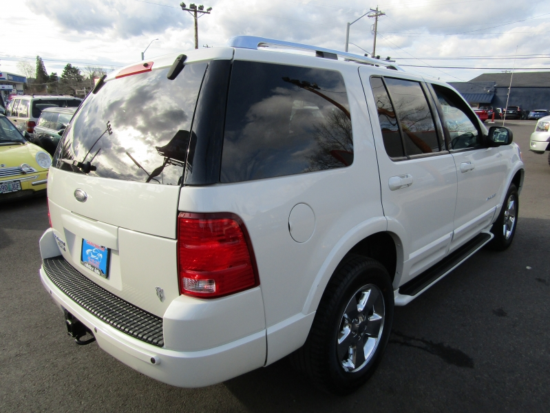 Ford Explorer 2004 price $3,977