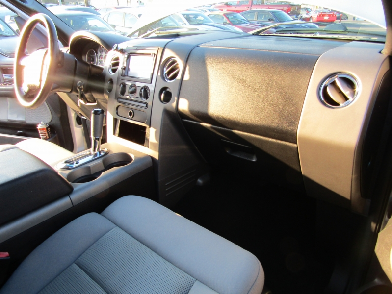 Ford F-150 2004 price $6,477