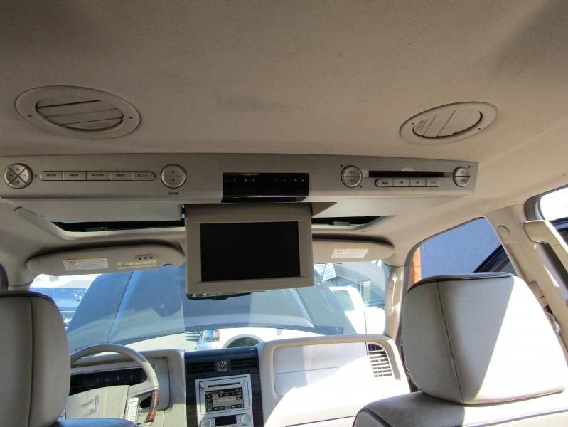Lincoln Navigator 2007 price $7,977
